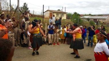 Sisters' dancing